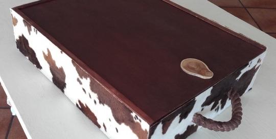 Caixa de vi reciclada pell de vaca1